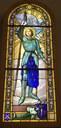 le vitrail de Ste Jeanne d'Arc a retrouvé sa place