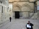 Le Saint Sépulcre<br />Jérusalem : Façade du Saint Sépulcre ,  qui englobe le Calvaire et le Tombeau.